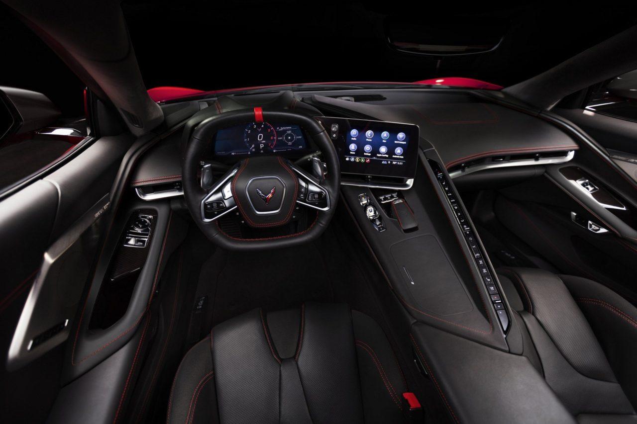 2020-corvette-c8-stingray-12