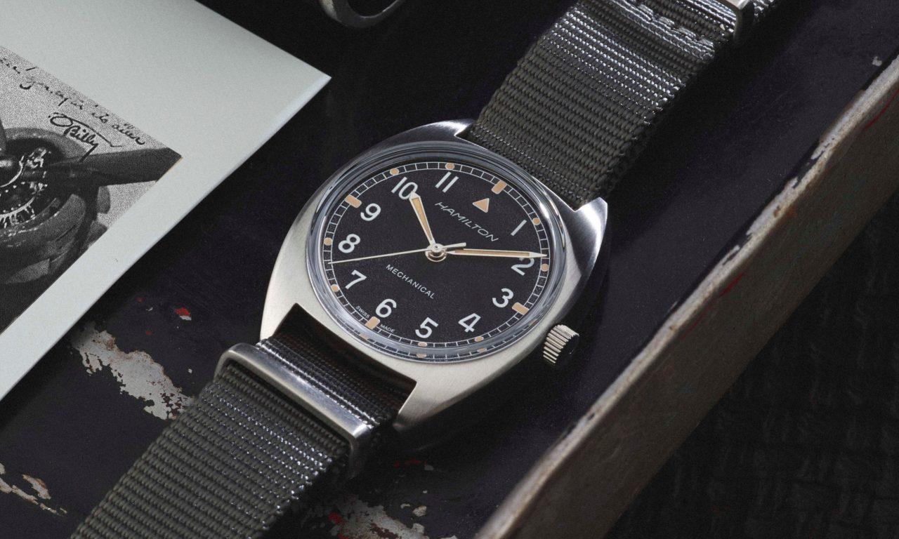 H76419931_Khaki Pilot Pioneer Mechanical_lifestyle4