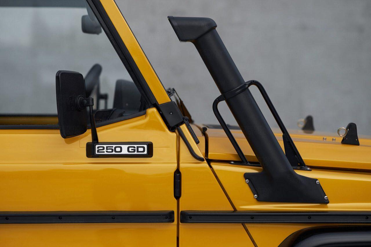 2B-017-Convertible-Mercedes-G-250-080080