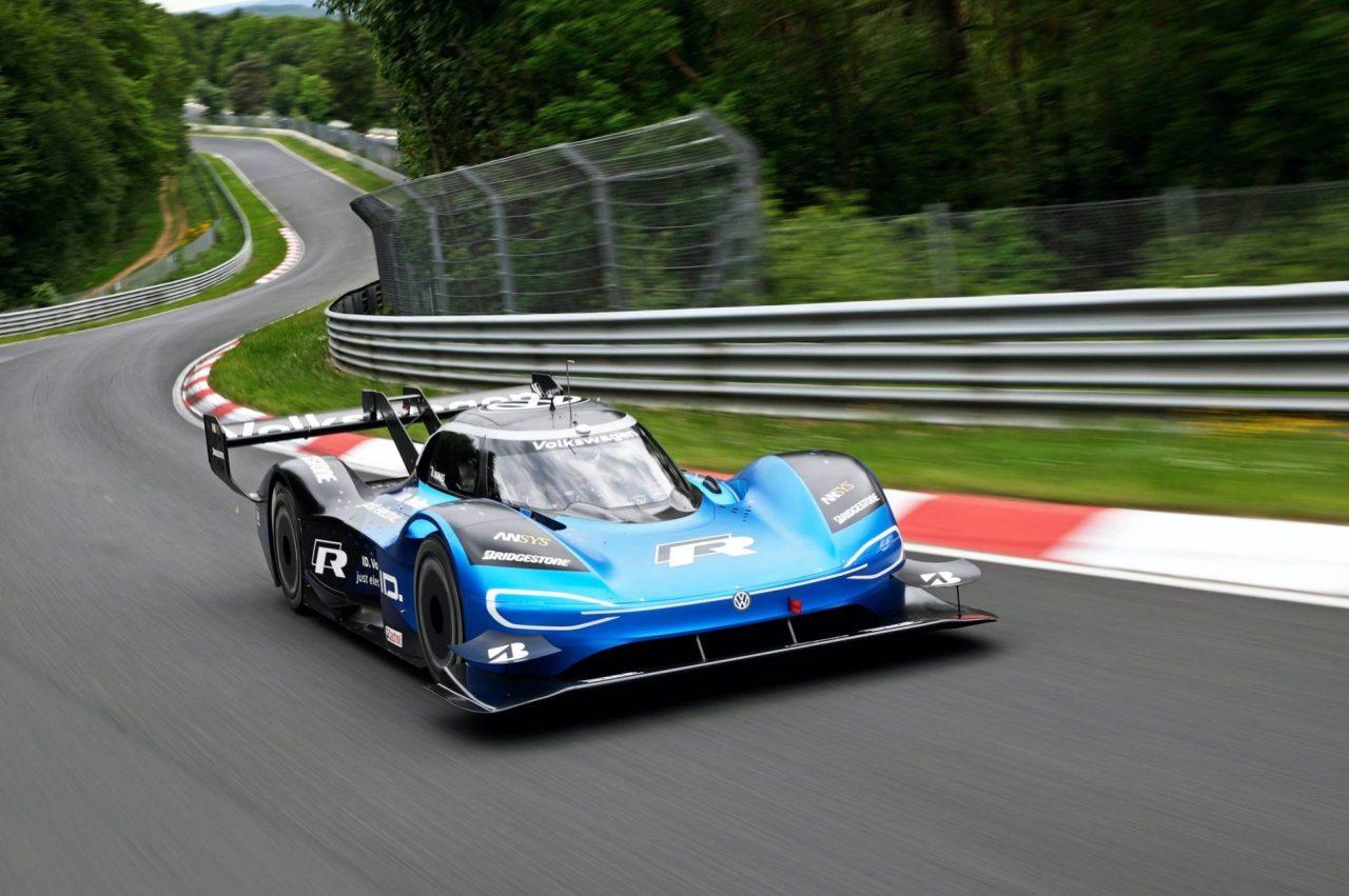 VW-ID.R-electric-race-car-1