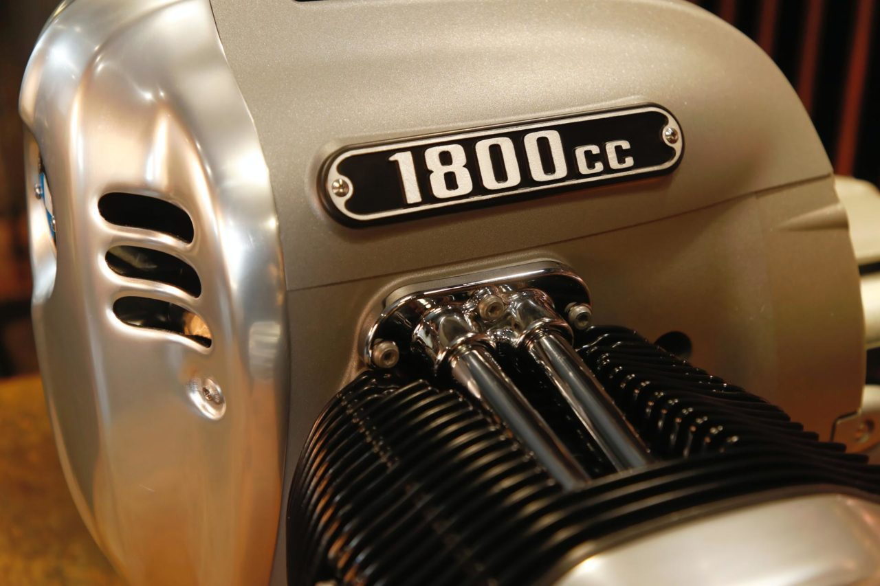 Big-Boxer-engine-of-the-BMW-R-18-7