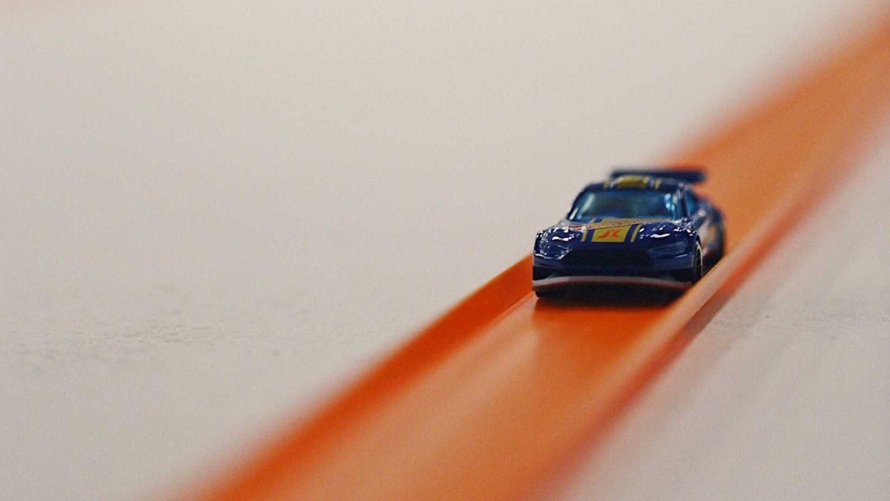 the-world-s-longest-hot-wheels-track (1)