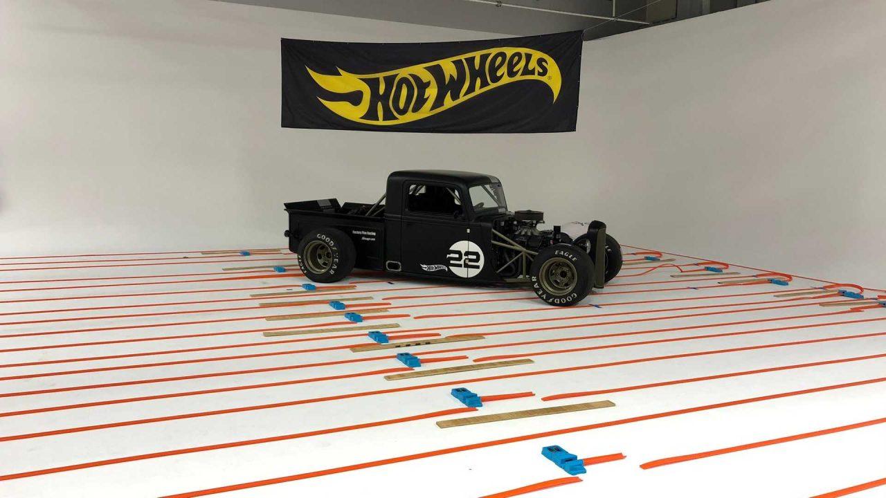 the-world-s-longest-hot-wheels-track (2)
