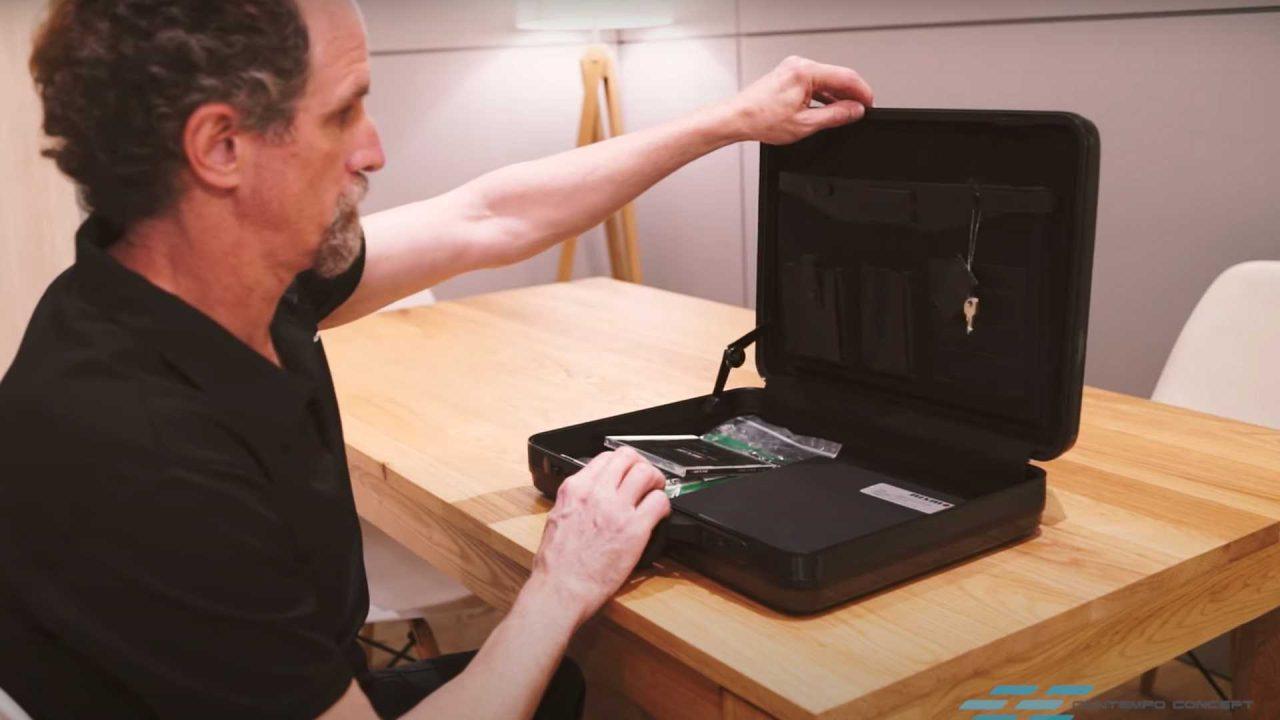 nissan-skyline-gt-r-r34-nismo-z-tune-carbon-fiber-briefcase (7)