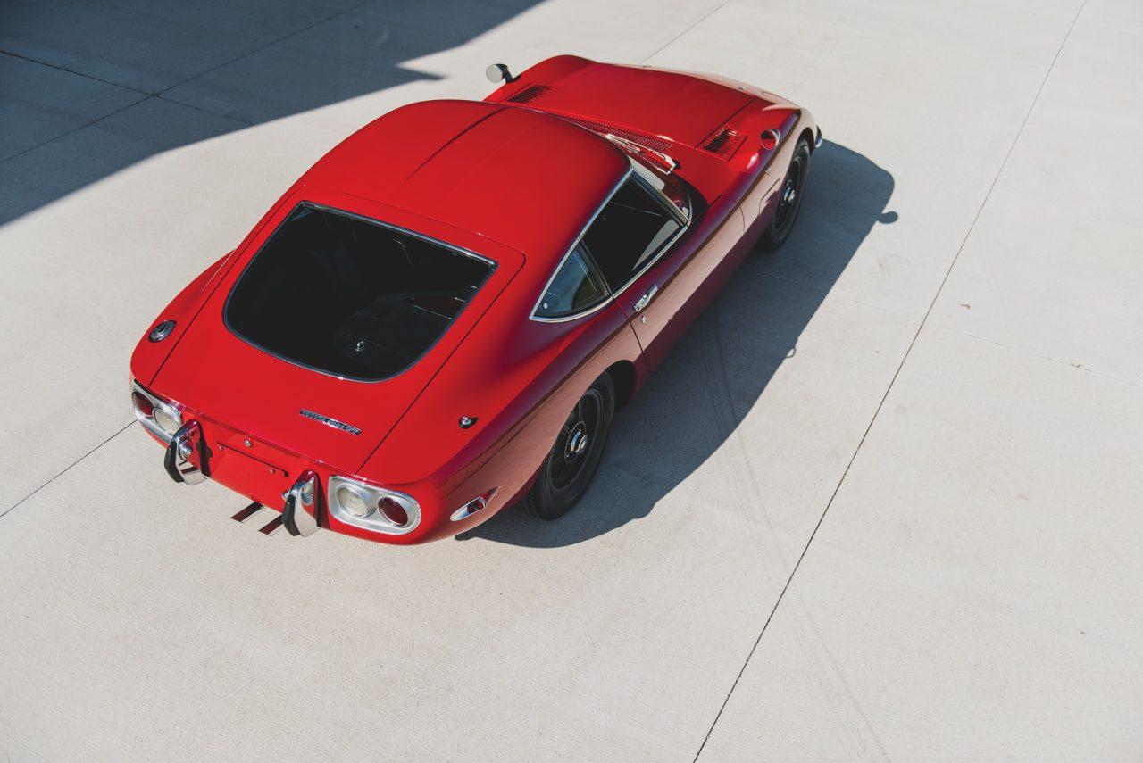 1967-Toyota-2000GT-24