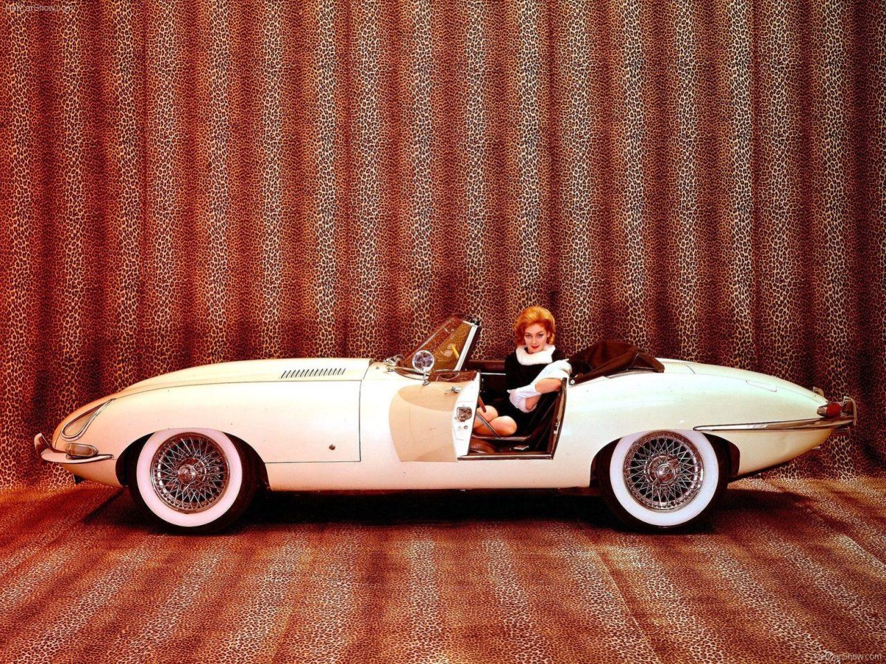 Jaguar-E-Type-1971-1600-08