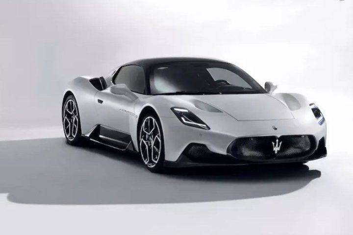 Maserati-MC20-5