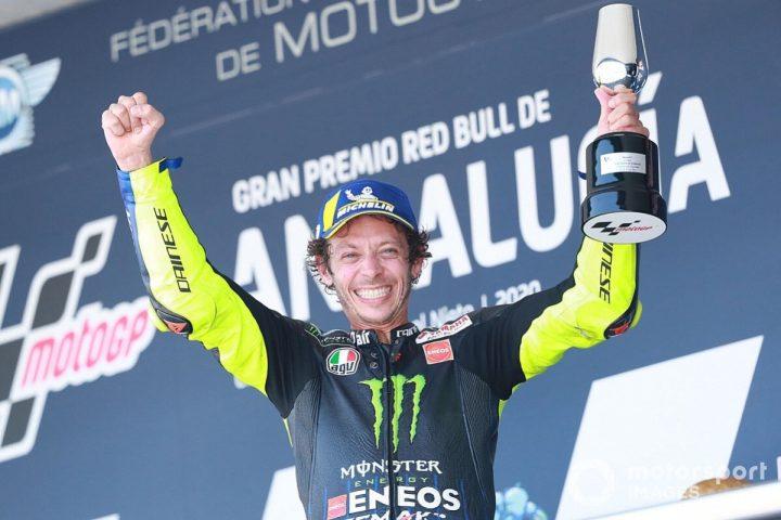 podium-third-place-valentino-r
