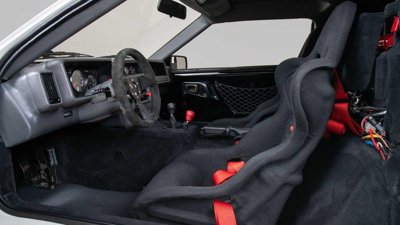 1986-ford-rs200-evolution-interior