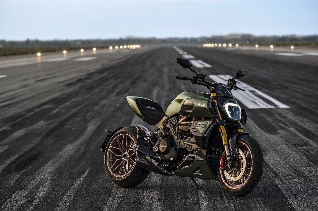 Ducati-Diavel-1260-Lamborghini-21