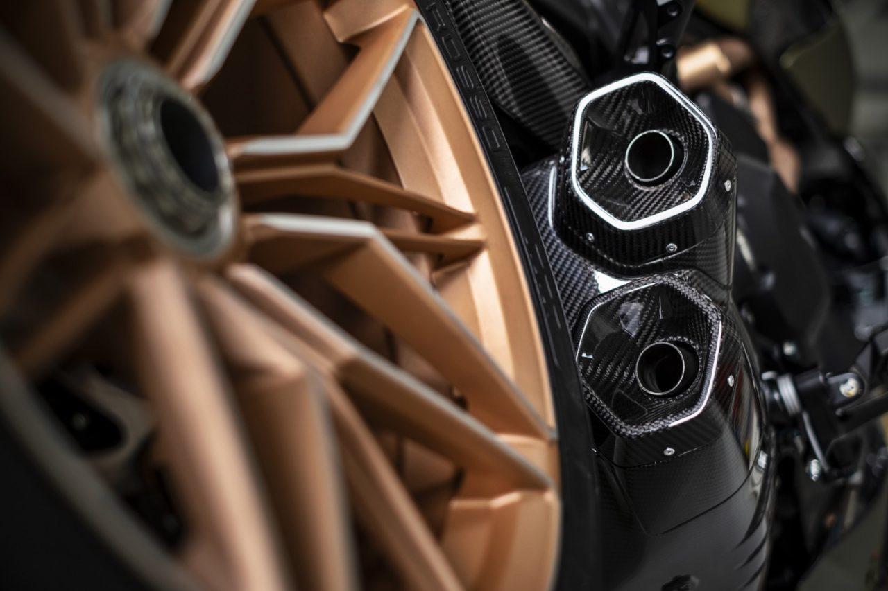 Ducati-Diavel-1260-Lamborghini-22