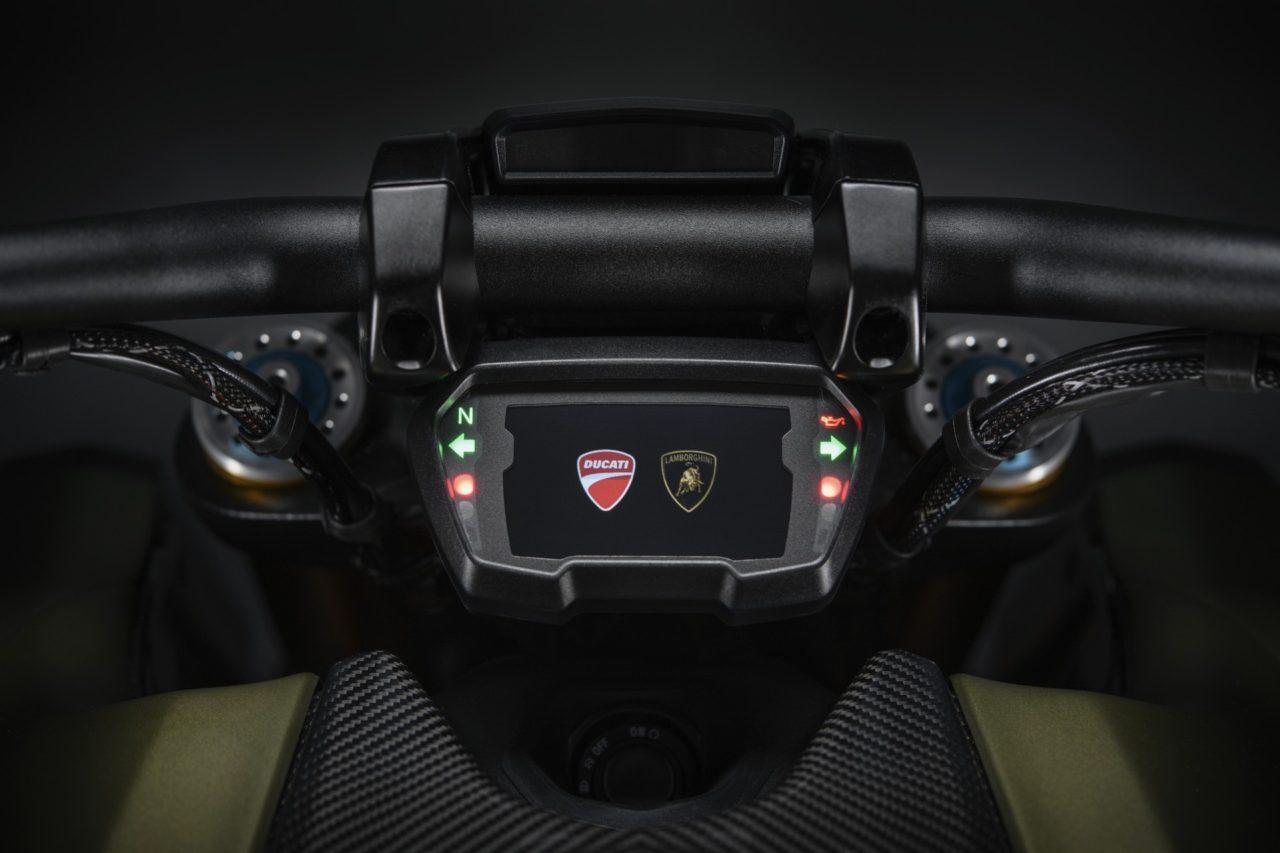 Ducati-Diavel-1260-Lamborghini-7