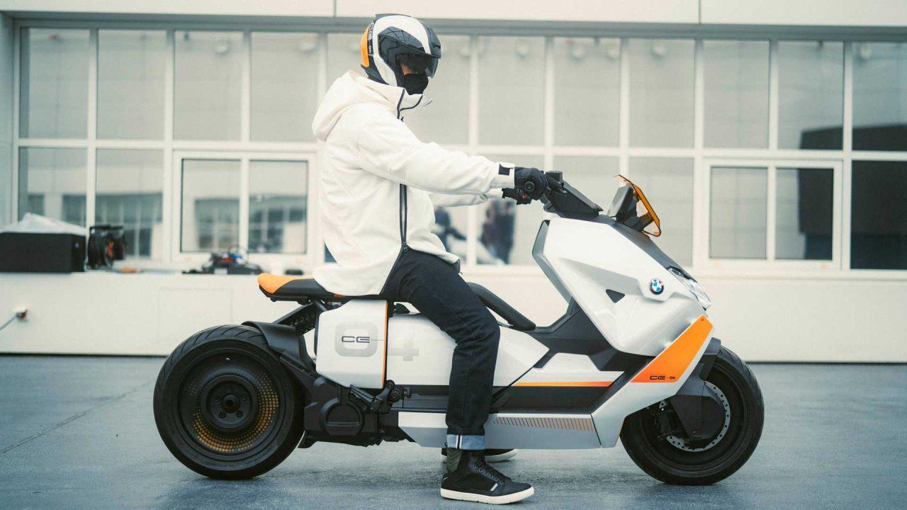 bmw-motorrad-definition-ce-04—parked