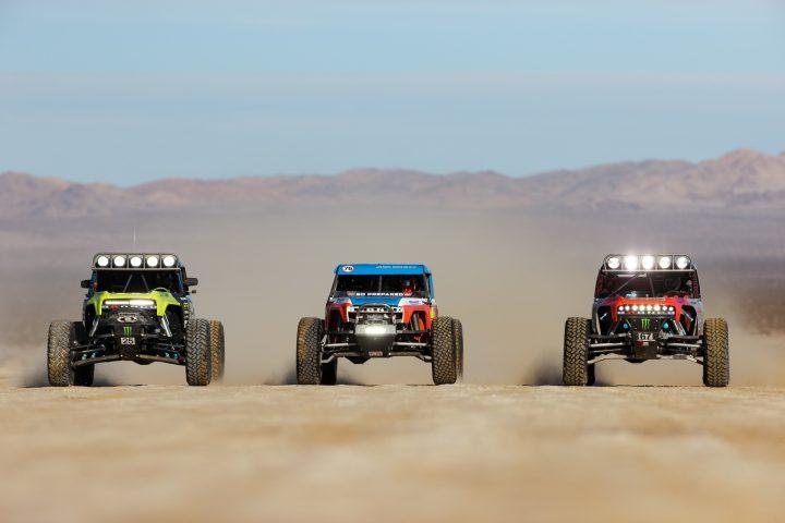 Ford-Bronco-Race-Trucks-03