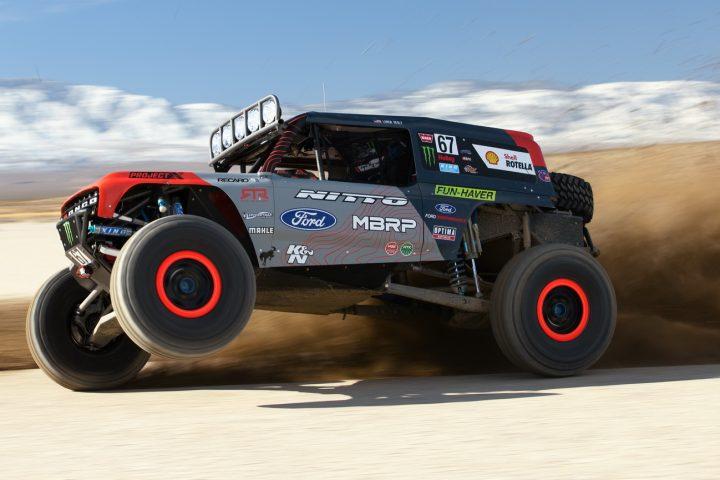 Ford-Bronco-Race-Trucks-04a