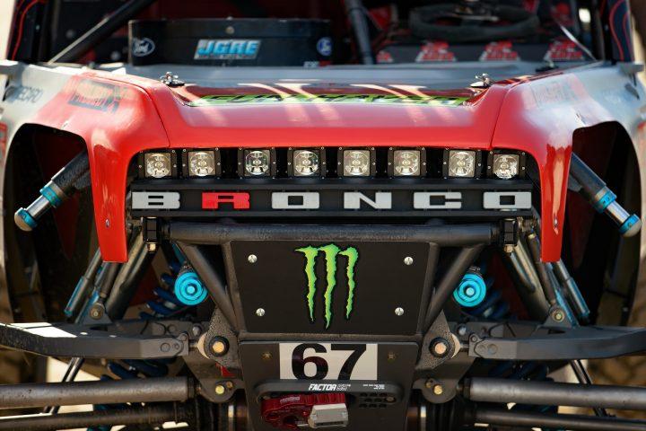 Ford-Bronco-Race-Trucks-10