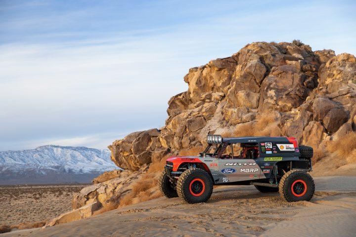 Ford-Bronco-Race-Trucks-11