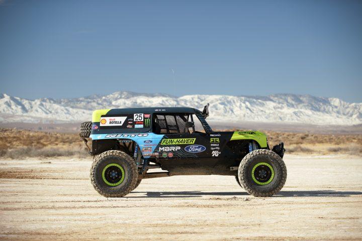 Ford-Bronco-Race-Trucks-16
