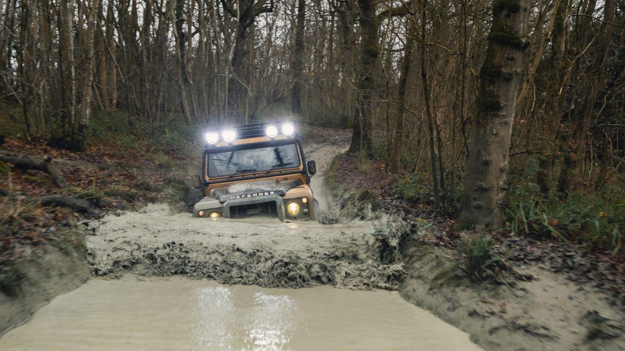 Land-Rover-Classic-Defender-Works-V8-Trophy-27