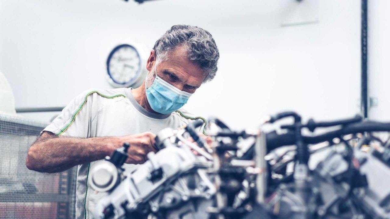 first-customer-bentley-bacalar-w12-engine (8)
