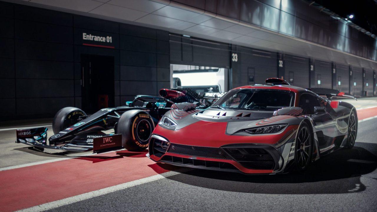 "Neue Mercedes-AMG Marketingkampagne ""After work"" mit Lewis HamiltonNew Mercedes-AMG marketing campaign ""After work"" with Lewis Hamilton"