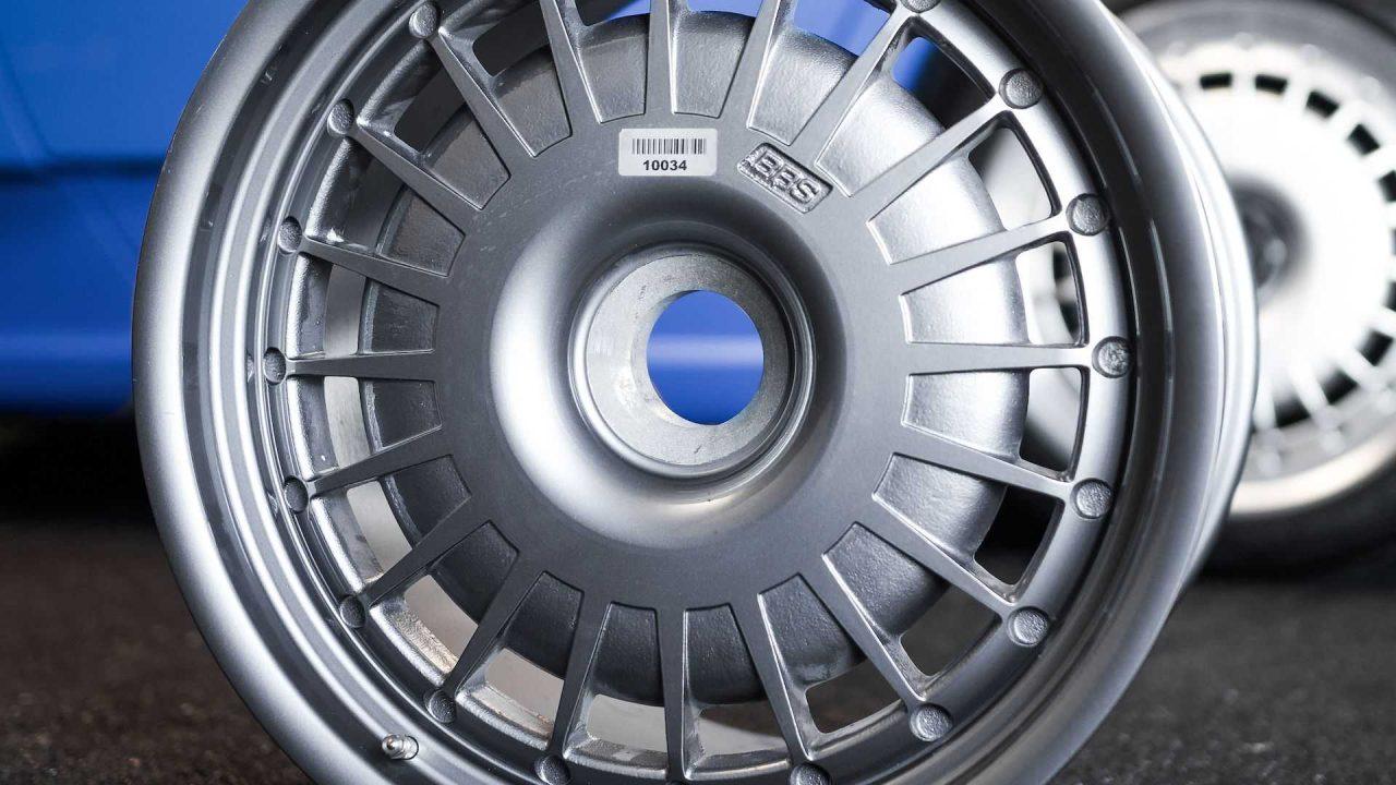 original-bugatti-eb110-gt-bbs-wheels-up-for-auction (5)