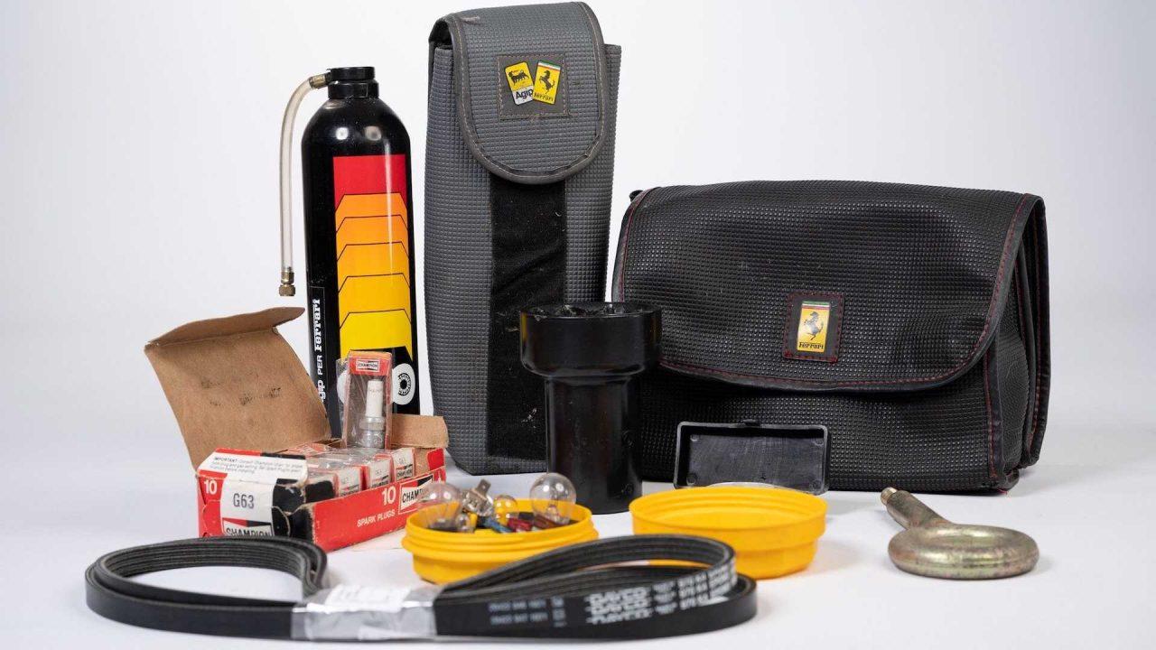 original-ferrari-f40-tool-kit