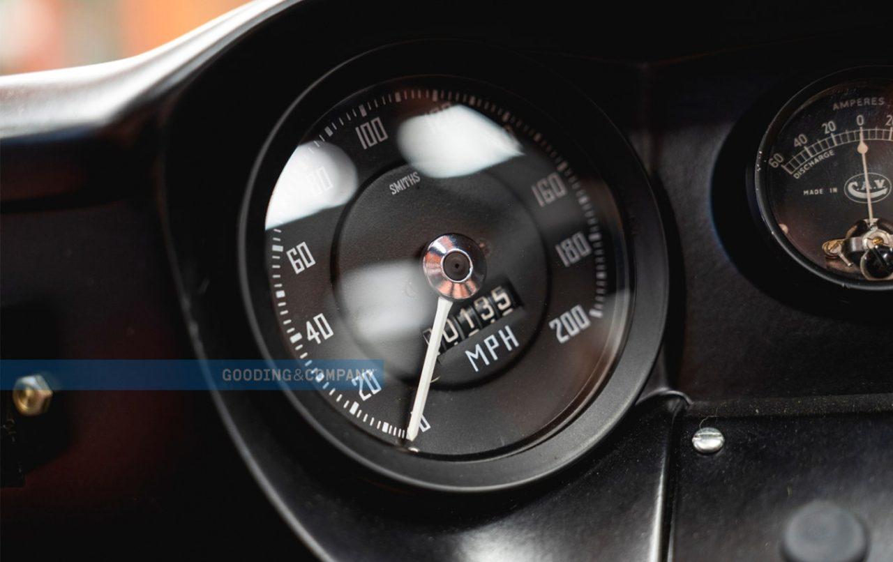 1966_Ford_GT40_Alan_Mann_Lightweight_110_iw11pz