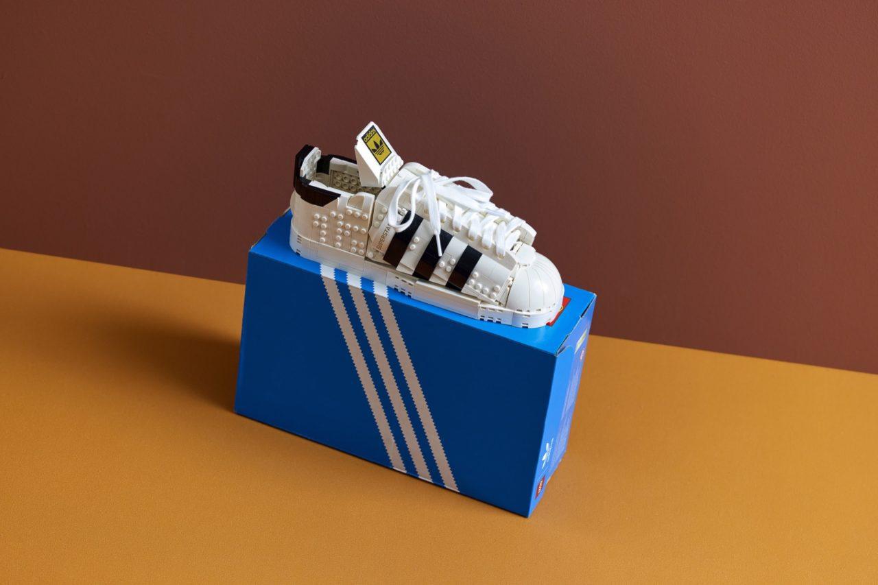 LEGO-10282-Adidas-Originals-Superstar-4U0P7-7