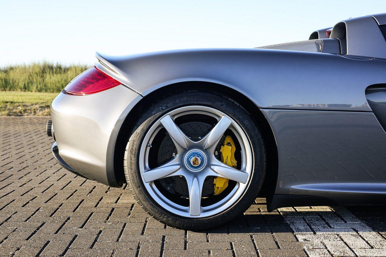 2004-Porsche-Carrera-GT-10