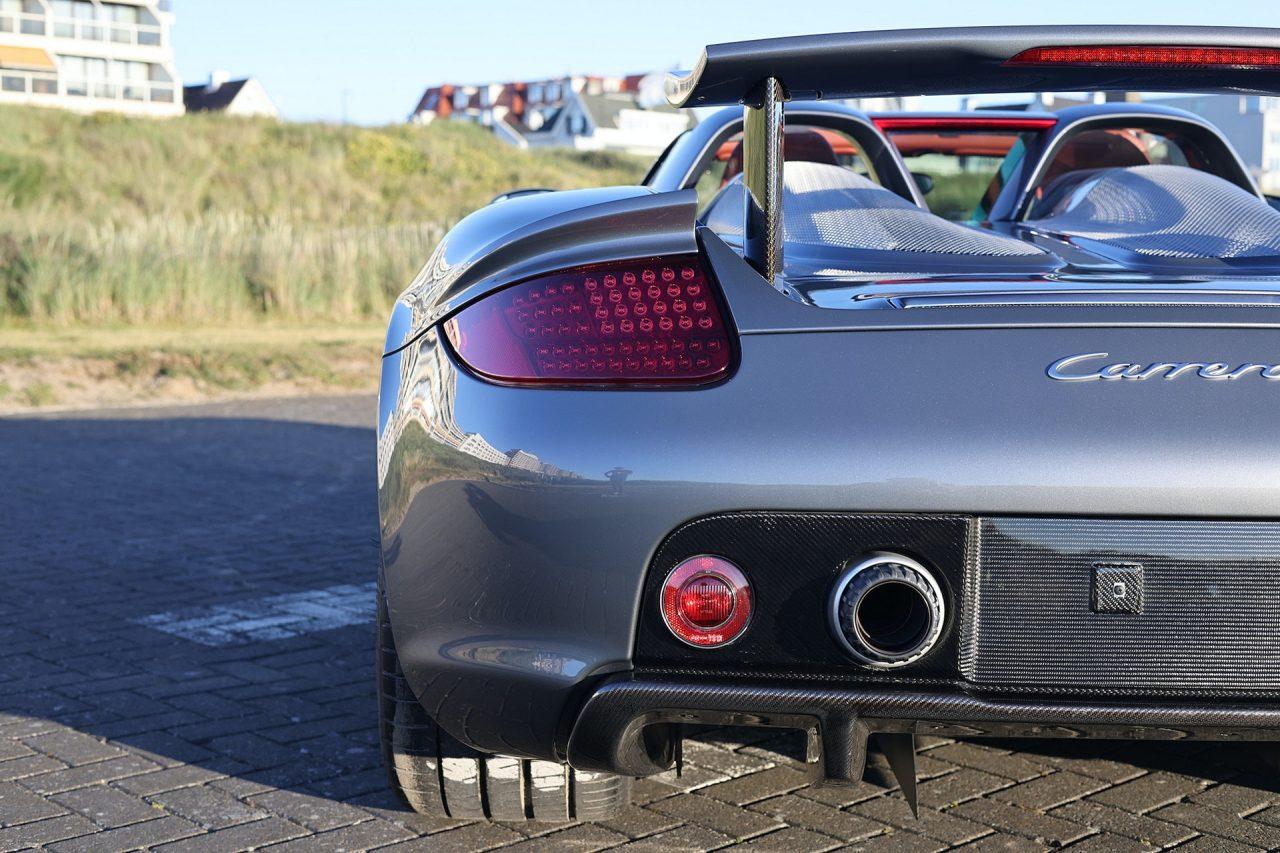 2004-Porsche-Carrera-GT-14