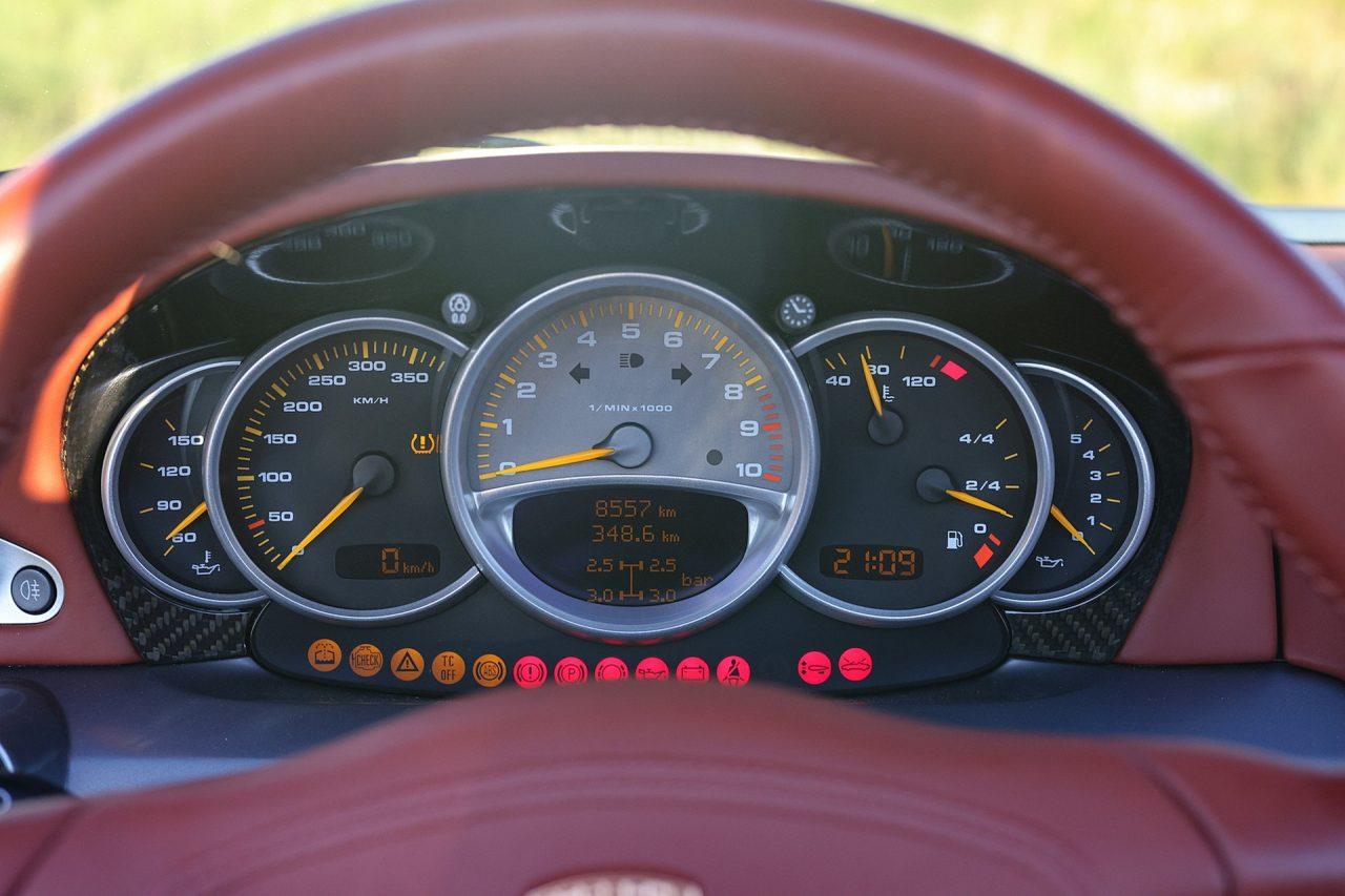 2004-Porsche-Carrera-GT-29