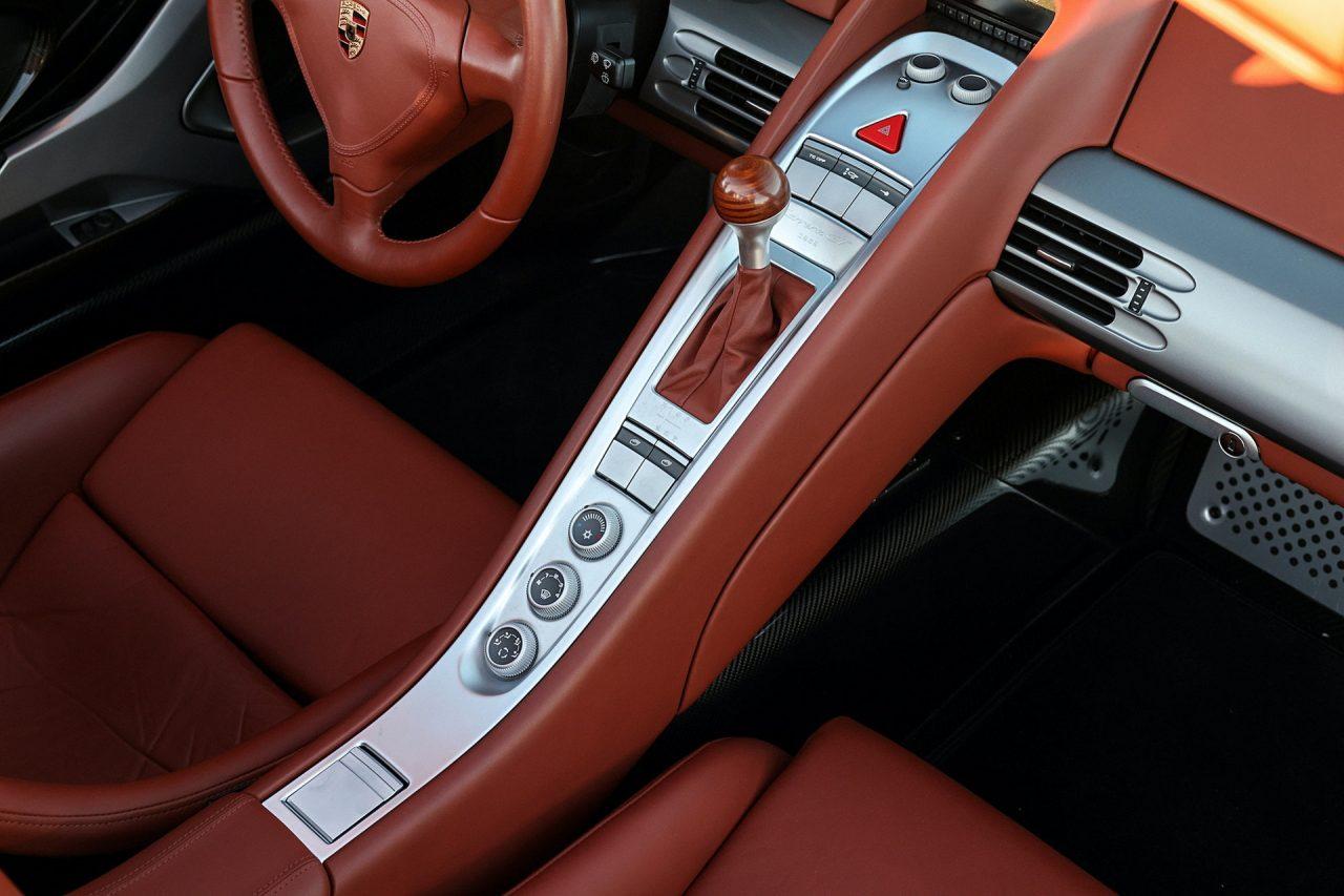 2004-Porsche-Carrera-GT-33