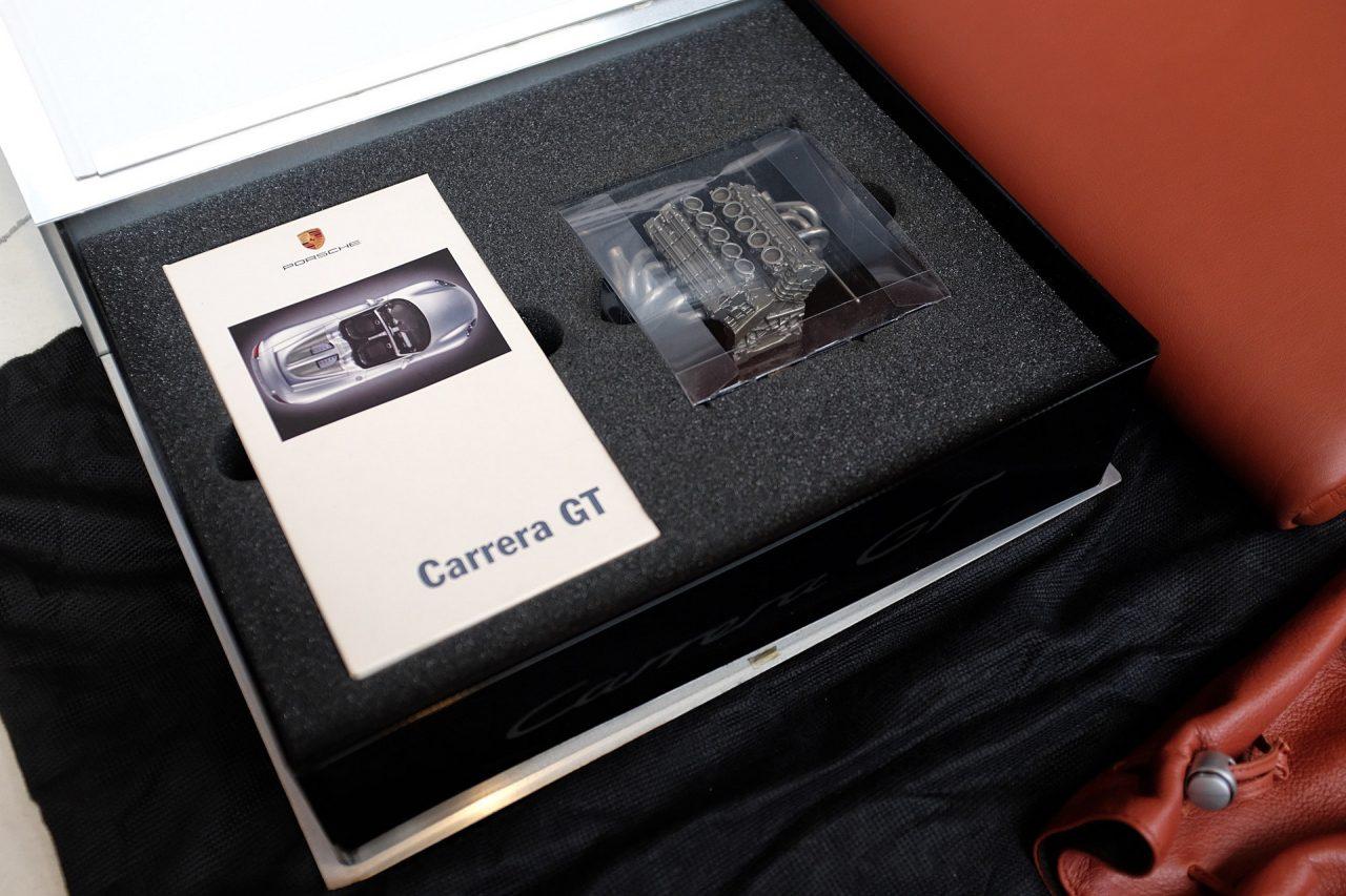 2004-Porsche-Carrera-GT-38