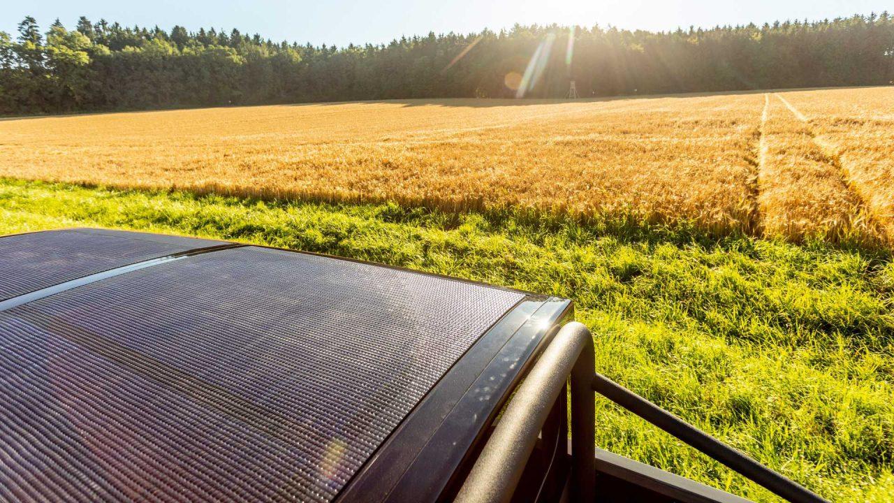 electric-brands-xbus-2022-solarpanel