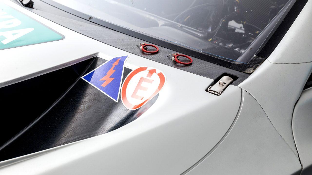 Mercedes-Benz_C63_DTM-13