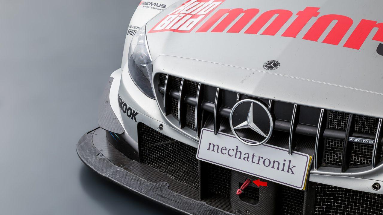 Mercedes-Benz_C63_DTM-15