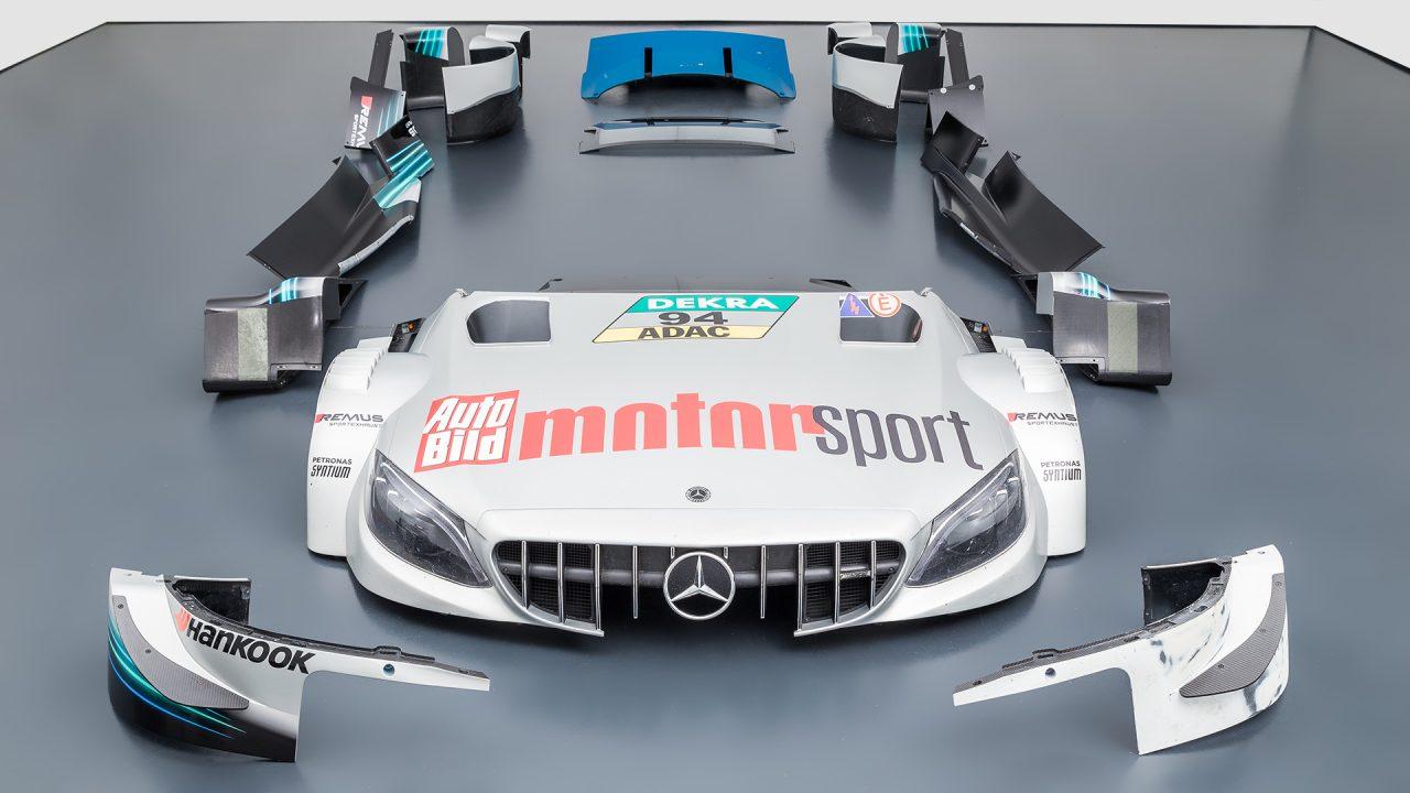 Mercedes-Benz_C63_DTM-25