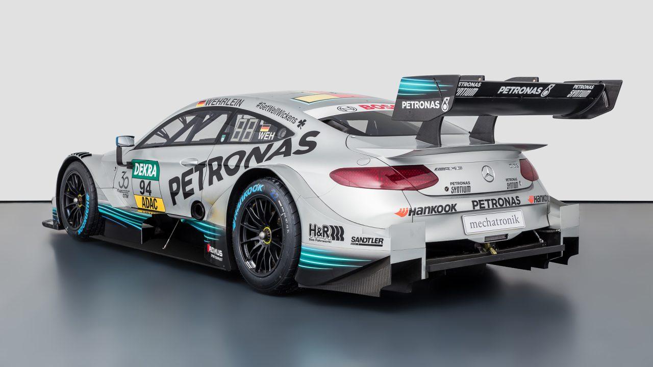 Mercedes-Benz_C63_DTM-5