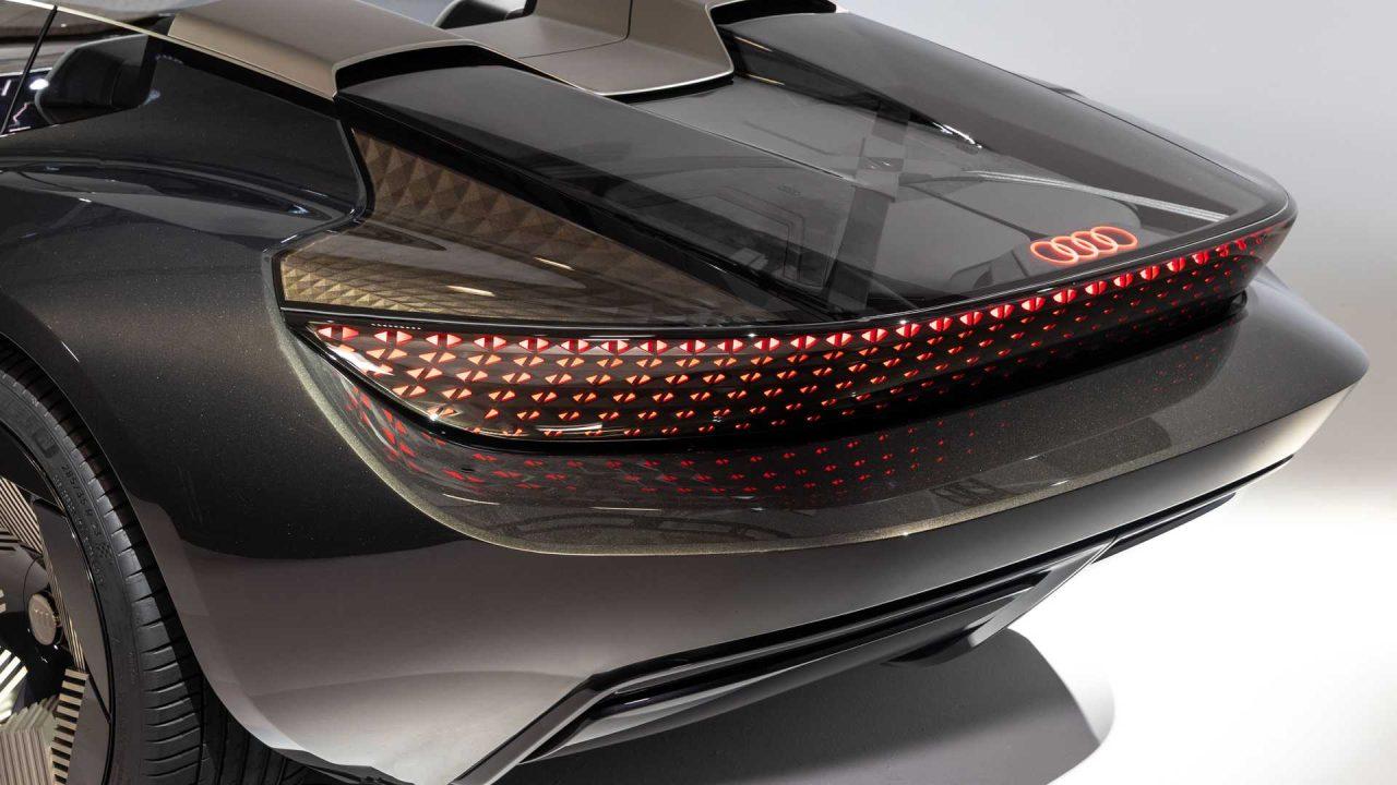 audi-skysphere-concept-exterior-rear-deck